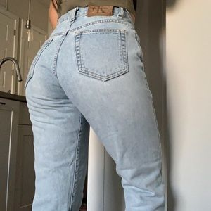 CALVIN KLEIN/ vintage high rise mom jean light